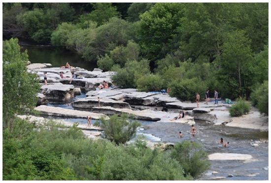 Baignade dans la rivière Chassezac